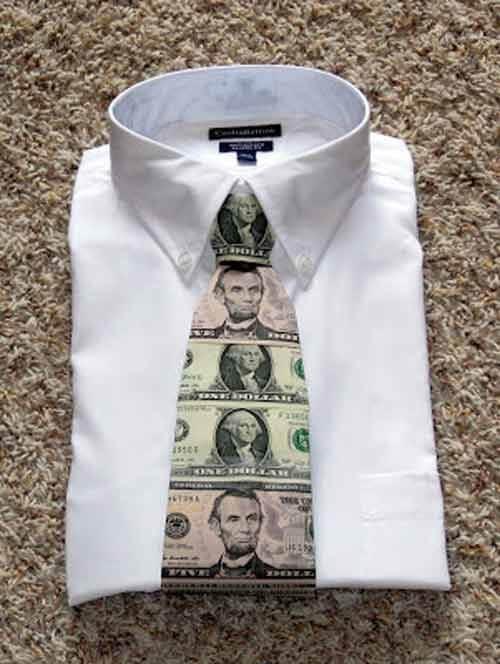 تزیین پول به شکل کراوات