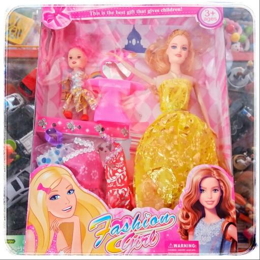 اسباب بازی عروسک دخترانه باربی با بچه کودک